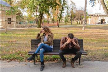 夫妻感情变淡了,不要着急离婚,这样做或许可以挽回婚姻